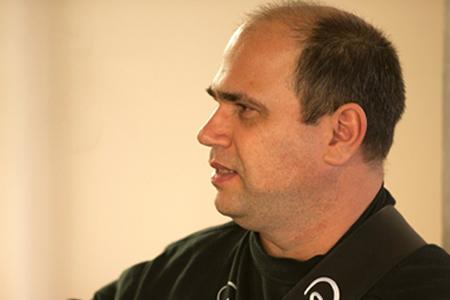 Professor(a)Nelson Faria